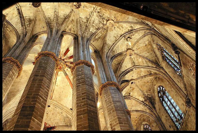 Columnas de Santa María del Mar de Barcelona