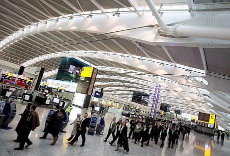 Aeropuerto aberdeen for Aereo barcelona paris