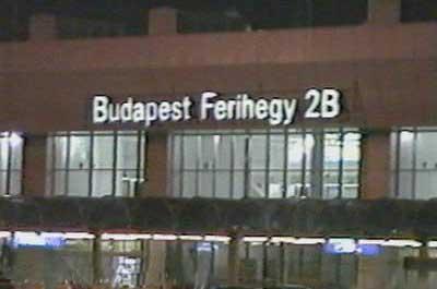 Aeropuerto de Budapest por la noche