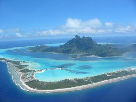 Agua turquesa en Bora Bora