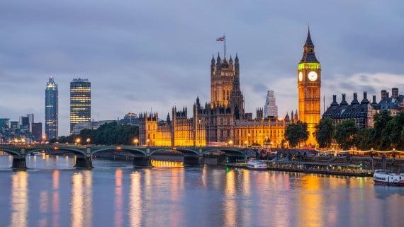 La noche londinense: una opción para viajar soltero/a