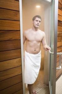 Beneficios de la Sauna saliendo