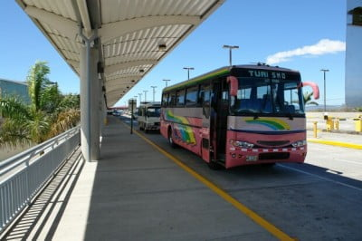 Buses en Aeropuerto Internacional Santamaría