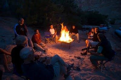Camping en la playa  fogata