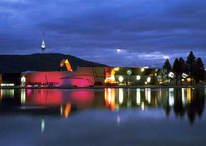 Canberra de noche