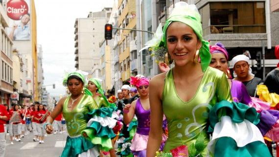 アンバトカーニバルパレード、エクアドル
