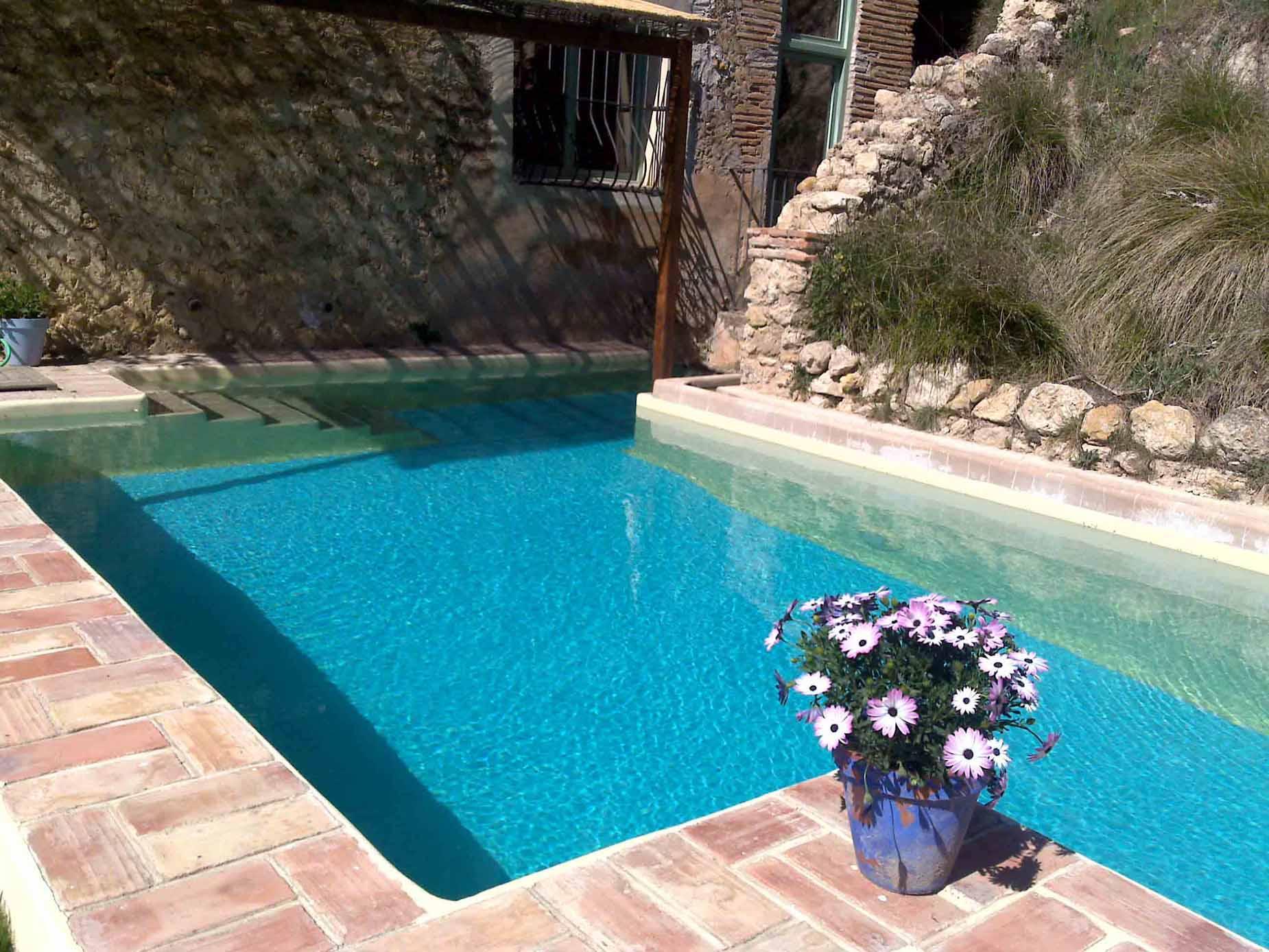 Casas rurales con piscinas for Casa rural con piscina climatizada