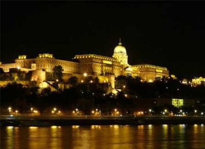 Castillo de Buda por la noche