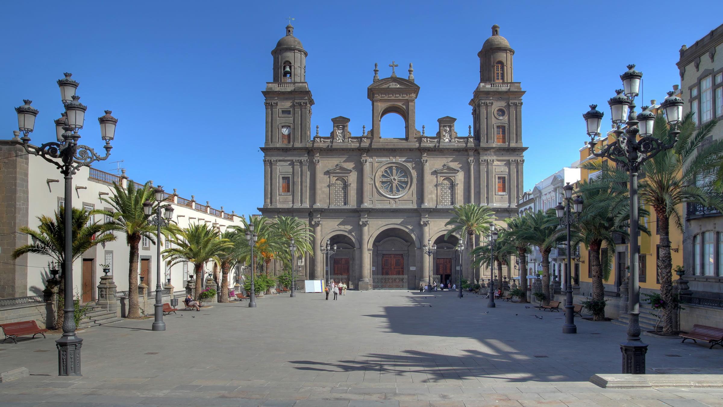 Catedral de santa ana las palmas de gran canaria for Cristalerias en las palmas de gran canaria