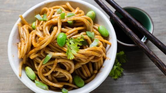 Chow Mein o fideos asiáticos