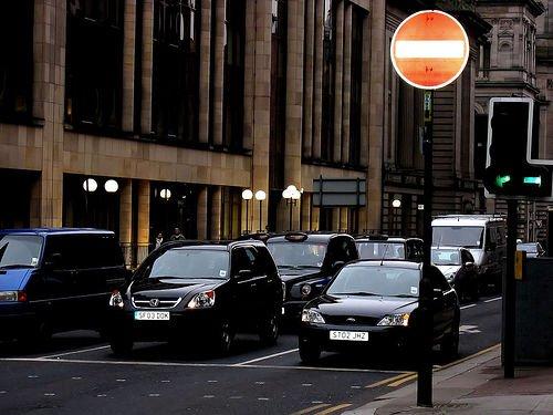 Coches avenida Glasgow