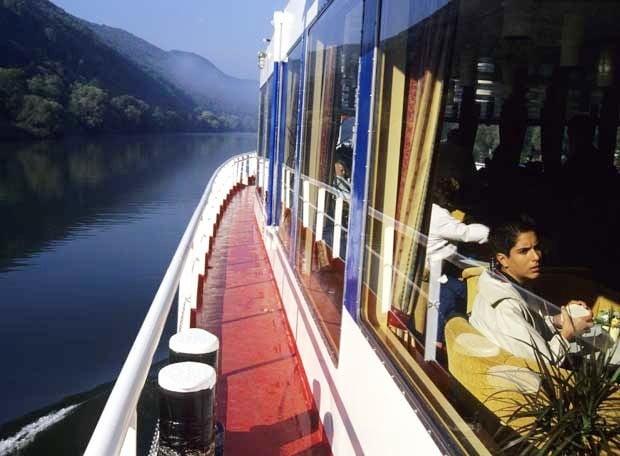 Cruceros por el río