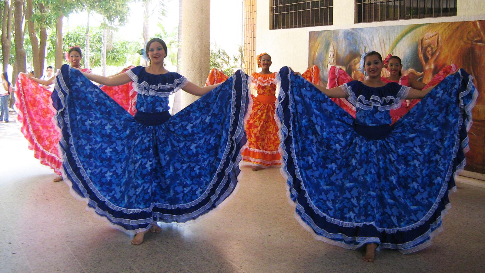 5b761dc5b Bailes típicos de Colombia por regiones: de la cumbia al joropo