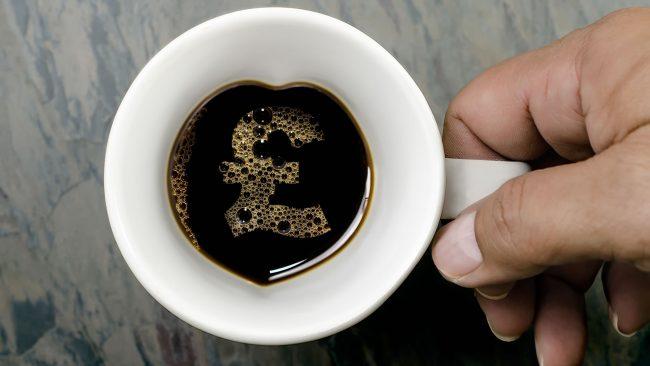 Dejar propina en cafeterías y restaurantes londinenses