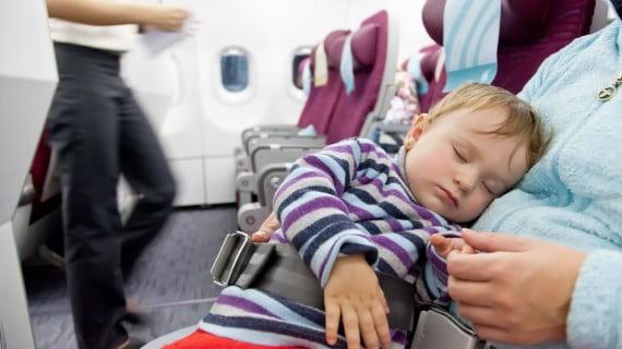 Elige los asientos de la primera fila si viajas con un bebé