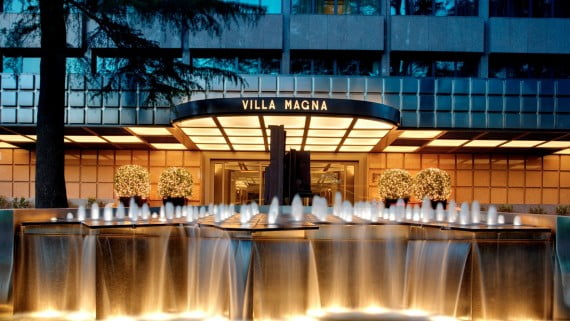 Entrada al Hotel Villa Magna