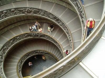 Escalera del Museos Vaticanos
