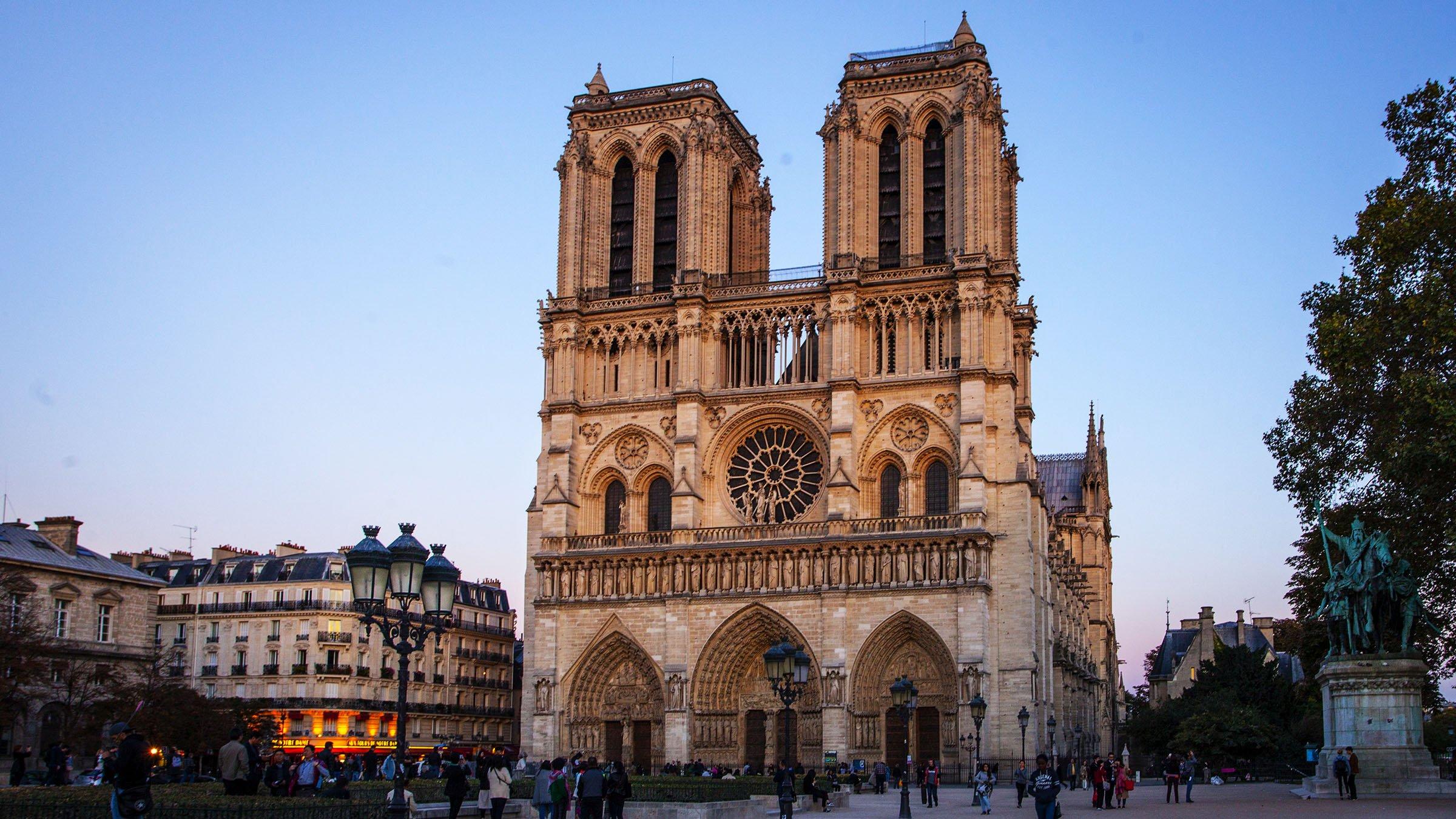 Fachada Catedral Notre Dame