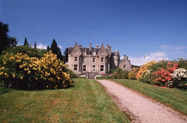 Fachada Glengarry Castle Hotel