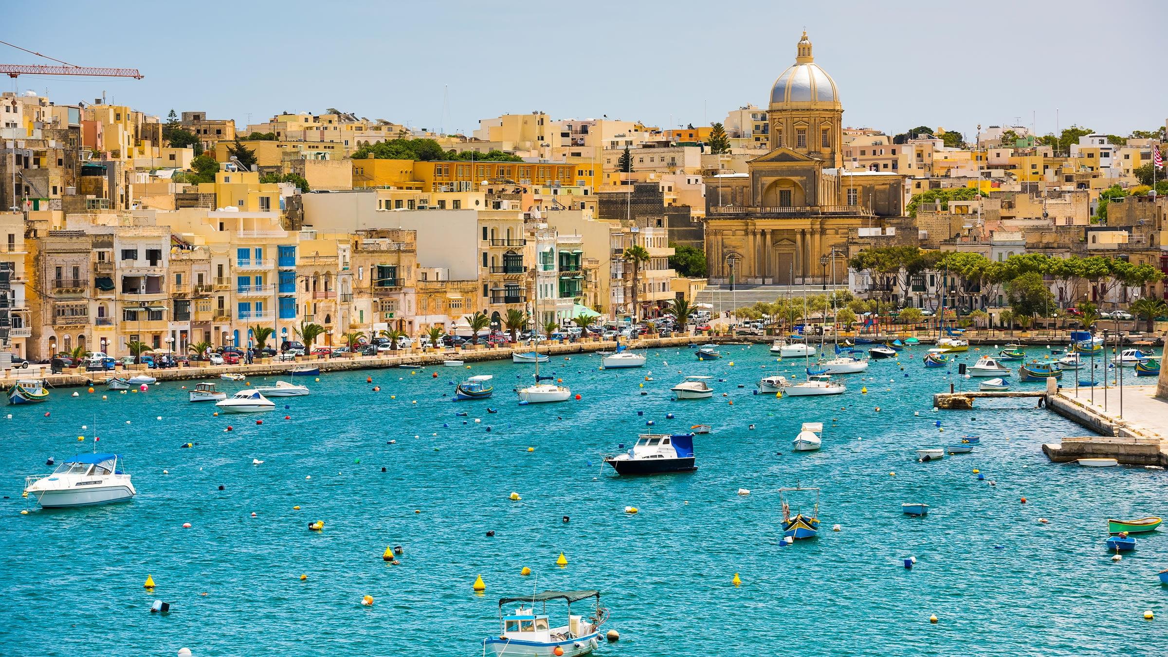 Vistas de la bahía de La Valeta en Malta