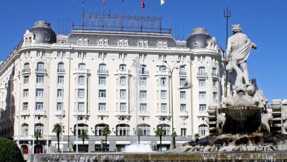 Hotel The Westin Palace frente a Fuente de Neptuno, Madrid