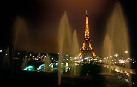 Imponenete Torre Eiffel