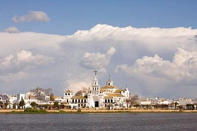La costa de Huelva monasterio de El Rocío
