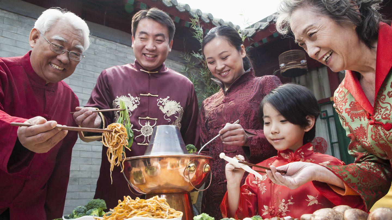 Platos, postres y otros alimentos típicos en la gastronomía china