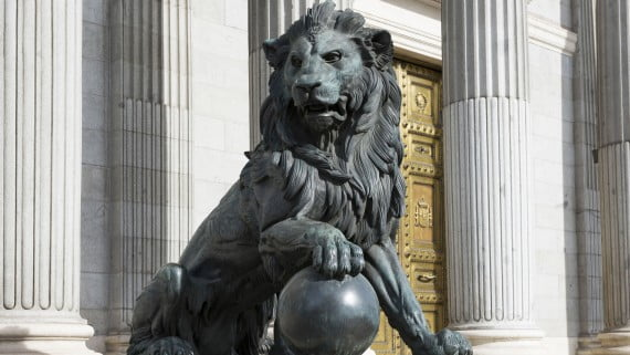 Leones del Congreso de los Diputados, Madrid