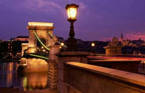 Llegada a puente de Budapest