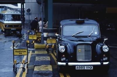 Londres Heathrow taxi en el aeropuerto