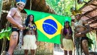 Los trajes de la tribu de los Yaguas de Amazonas (Brasil)