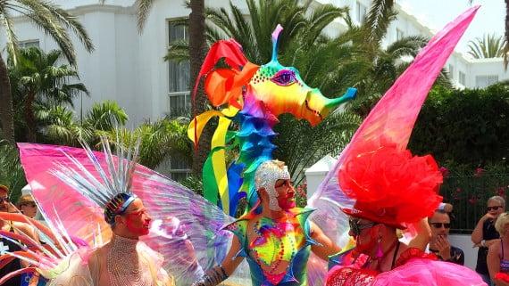 Marcha do orgullo gay en Gran Canaria, España