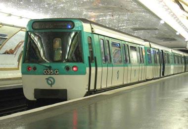 Moderno Metro de Paris