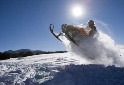 Motos de nieve en Boi Taull