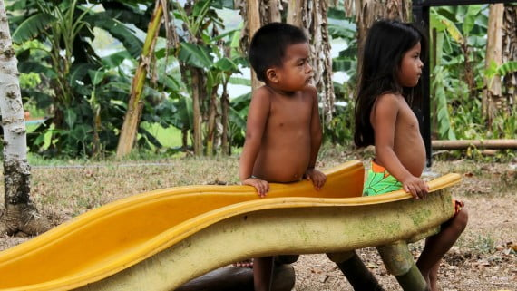 Niños del grupo indígena de los Wounaan
