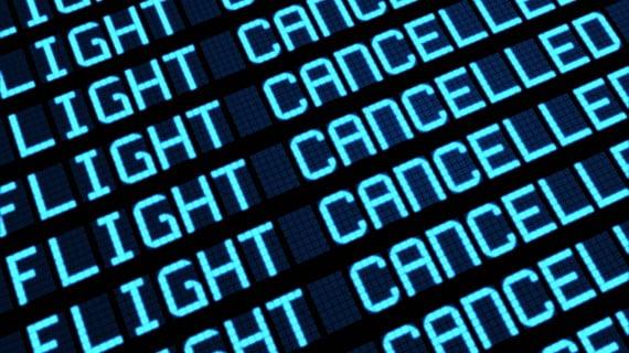 ¿Cómo notifica Ryanair que un vuelo se ha cancelado?