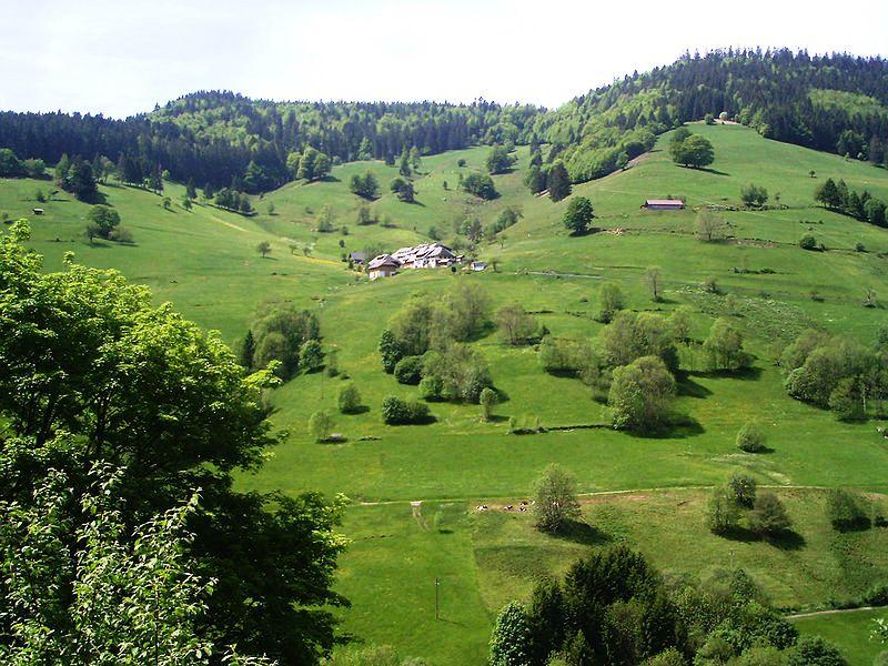 ... un cordón montañoso que ofrece una diversidad de paisajes naturales