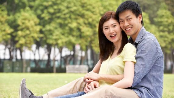 亞洲對年輕夫婦
