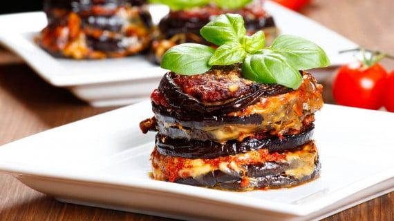 Parmigiana di melanzane ou parmesano de berinjela