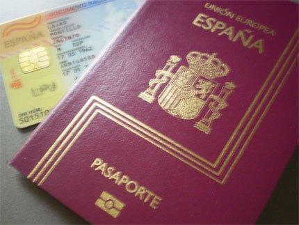 Pasaporte y DNI
