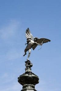 Picadilly Londres escultura
