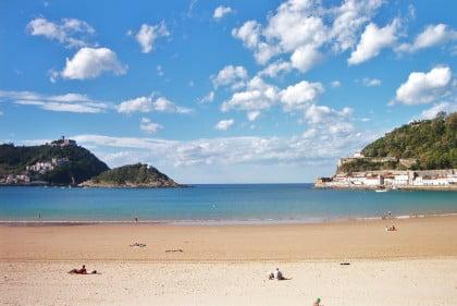 Playa de la Concha y Compostela