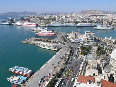 Puerto de Atenas