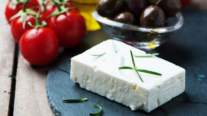 Queso griego o feta para ensalada griega