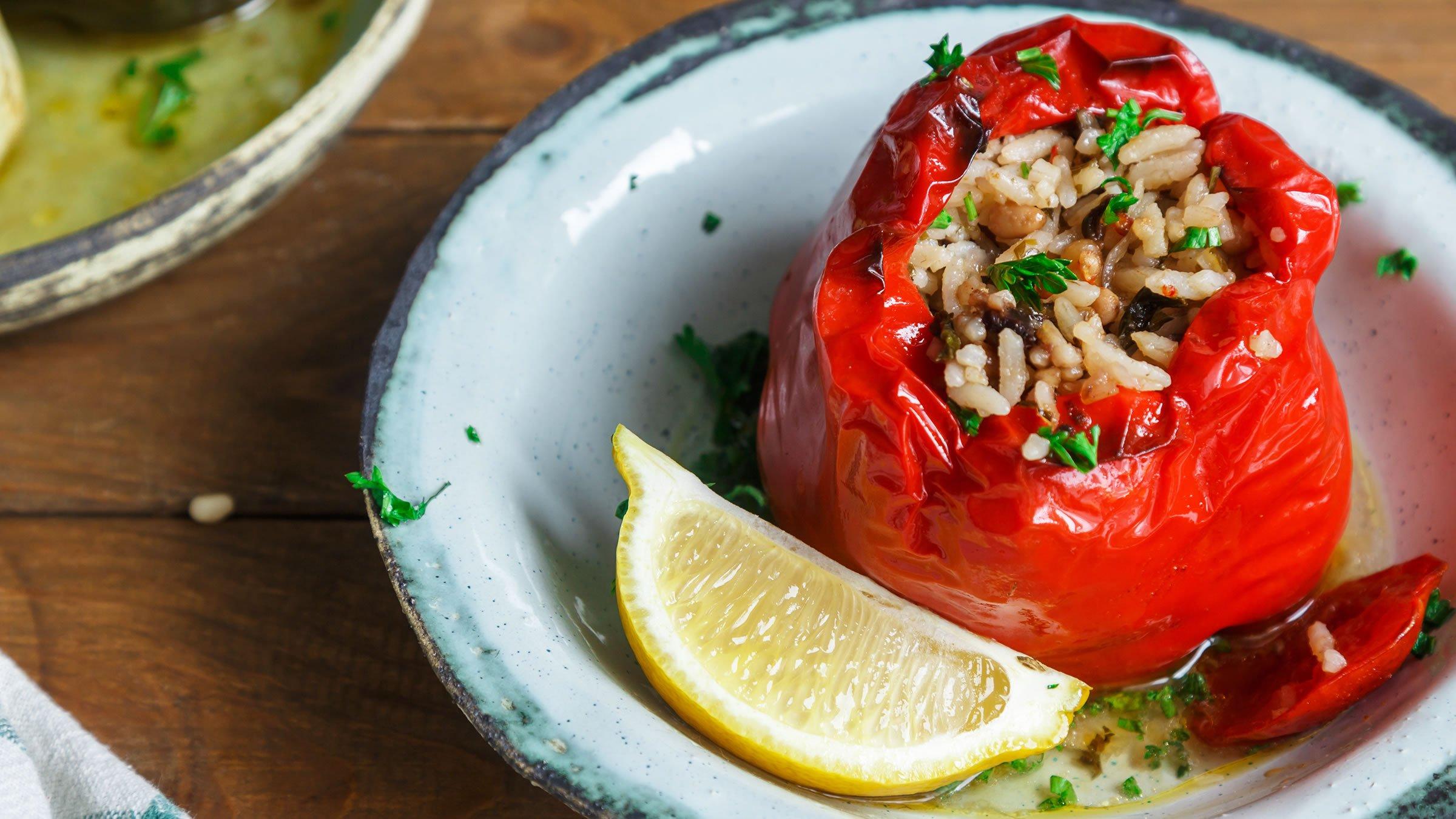 Receta de gemist o verduras rellenas a la griega paso a paso for Costumbres de grecia