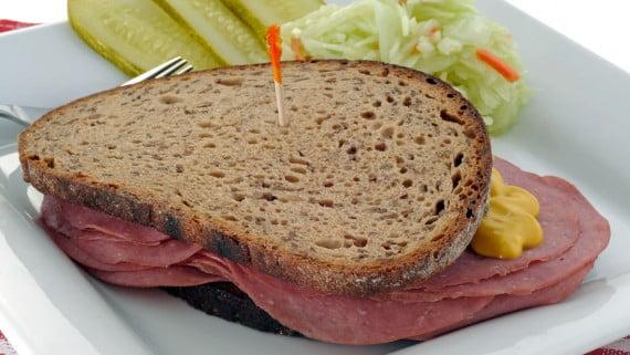 Sándwich de boeuf afumado
