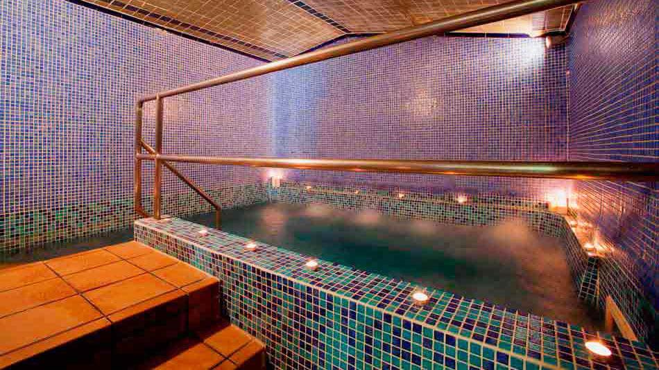 hay sauna gay en barcelona
