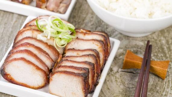 Siew Yhok o cerdo asado a la cantonesa
