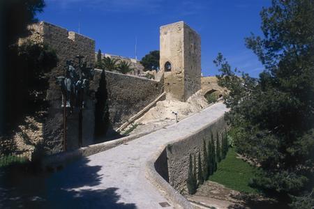 Subida al Castillo de Santa Bárbara
